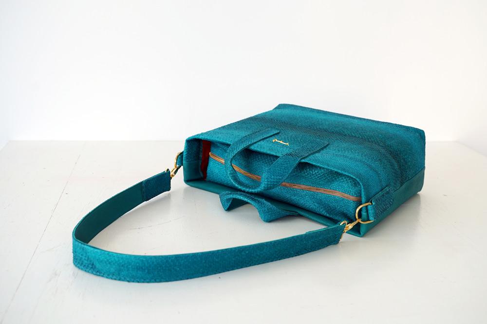 Tasche gefertigt aus Fischleder